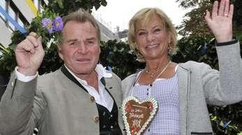 Fritz Wepper und seine Frau Angela 2009 in München auf der Fahrt zum Oktoberfest. Angela Wepper ist tot.