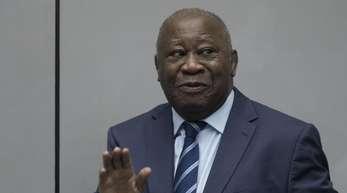Laurent Gbagbo, ehemaliger Präsident der Elfenbeinküste, betritt den Gerichtssaal des Internationalen Strafgerichtshofs in Den Haag.