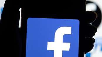 Facebook hat mehrere hundert von Russland aus organisierten Seiten und Accounts gesperrt.
