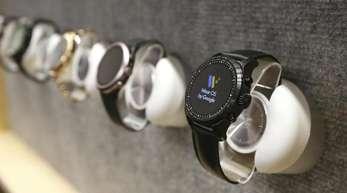 «Wear OS»-Uhren von Google auf der Technik-Messe CES in Las Vegas.