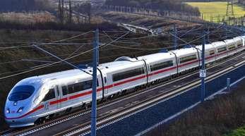 Die Bahn wirbt damit, dass eine Fahrt von Berlin nach München weniger als vier Stunden dauert.