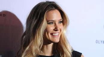 Bar Refaeli, israelisches Topmodel, wird Gastgeberin des Eurovision Song Contests.