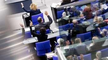 Im Bundestag sitzen mehr als doppelt soviel Männer wie Frauen.