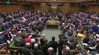 Das Votum am 27. Februar wäre bereits die dritte Abstimmungsrunde über den Brexit seit das Parlament den mit Brüssel ausgehandelten Austrittsvertrag ablehnte.