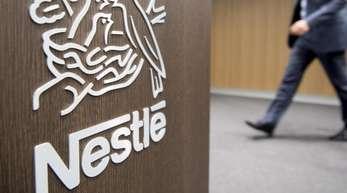 Das Nestle-Logo, aufgenommen bei der Einweihung des neuen Verwaltungsgebäudes des neuen Hauptsitzes.
