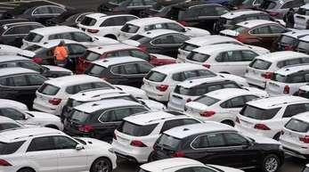 Die Zahl der Zulassungen in der EUfiel den Angaben zufolge um 4,6 Prozent auf knapp 1,2 Millionen Fahrzeuge, verglichen mit den Zeitraum ein Jahr zuvor.