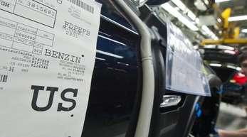 Gefragt sind im Ausland vor allem Maschinen und Kraftfahrzeuge aus deutscher Produktion.