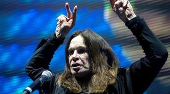 Ozzy Osbourne muss sich erholen.