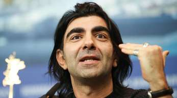 Fatih Akin stellt seinen Horrorfilm «Der Goldene Handschuh» auf der Berlinale vor.