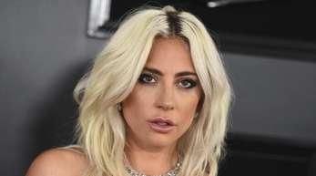 Bei den Grammys hat Lady Gaga nicht mehr ihren Verlobungsring getragen.