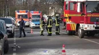 Vor dem Gebäude des Krefelder Amts- und Landgerichtes hat sich ein Mann selbst angezündet.