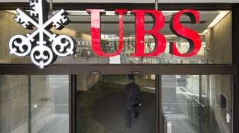 Die Anklage warf der UBS Geldwäsche im Zusammenhang mit Steuerhinterziehung sowie illegale Anwerbung von Kunden vor.