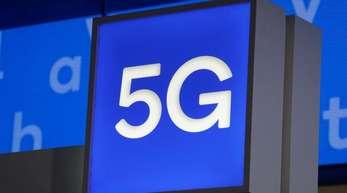 Bei der Versteigerung von 5G-Mobilfunkfrequenzen haben die Klagen von Netzbetreibern aus Sicht eines Experten kaum Chancen auf Erfolg.