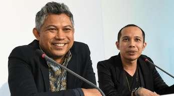 Ade Darmawan (l) und Farid Rakun, die beiden neuen künstlerischen Leiter der documenta 15.