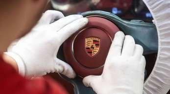 Porsche kann trotz steigender Ausgaben weiter mit guten Zahlen glänzen.