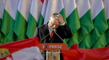 Mehr als ein Dutzend der EVP-Parteien haben den Ausschluss oder eine Suspendierung des Fidesz gefordert.