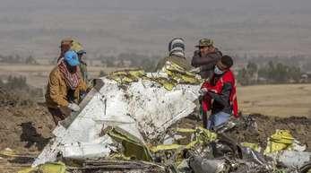 Der Boeing 737 Max der Ethiopian Airlines stürzte in der Nähe von Bishoftu, südlich von Addis Abeba ab. Dabei wurden 157 Menschen getötet.