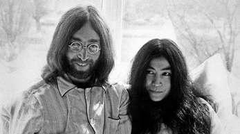 Im Bett für den Weltfrieden: John Lennon und Yoko Ono.