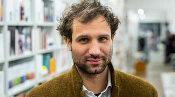 Der Autor Takis Würger, Autor des umstrittenen Romans «Stella», sucht eine Wohnung in New York.