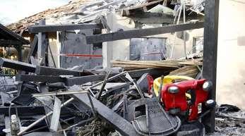 Bei Tel Aviv wurde ein Haus von einer Rakete getroffen. Sieben Menschen wurden verletzt, darunter auch Kinder.