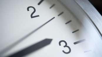 Immer weniger Menschen in Deutschland halten die Zeitumstellung noch für sinnvoll.