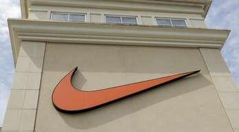 Nike Händler am grenzüberschreitenden Verkauf von Lizenzprodukten in Europa gehindert, teilte die EU-Kommission in Brüssel mit.