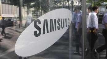 Im Geschäft mit Displays und Smartphones hat es Samsung wiederum mit wachsender Konkurrenz aus China zu tun.