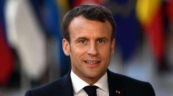 Emmanuel Macron ließ vor der TV-Ansprache zwar keine Einzelheiten durchblicken, französische Medien berichten aber über eine Senkung der Einkommensteuer.
