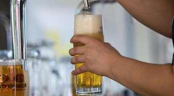 Die Brauereien in Deutschland haben 2018 trotz der erhöhten Preise rund 8,7 Milliarden Liter und damit 184 Millionen Liter (2,2 Prozent) mehr Bier gebraut als im Jahr zuvor.