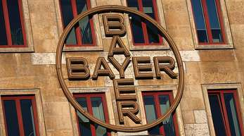 Experten werfen Bayer vor, die Risiken des Kaufs von Monsanto angesichts von Klagen wegen angeblicher Krebsrisiken glyphosathaltiger Unkrautvernichter unterschätzt zu haben.