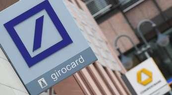 Seit vier Wochen loten Deutsche Bank und Commerzbank einen möglichen Zusammenschluss der beiden Großbanken aus.