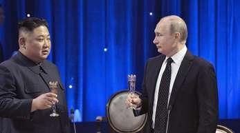 Mehrere Stunden verbrachte Putin mit Kim für eine wohl auf lange Sicht angelegte Beziehung.