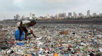 Plastikmüll am Arabischen Meer.