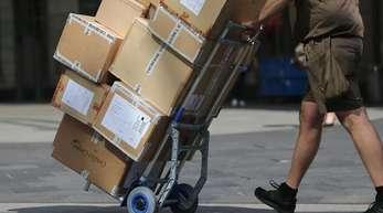 Die Spitzen von Union und SPD haben sich auf Verbesserungen bei den Arbeitsbedingungen von Paketboten geeinigt.