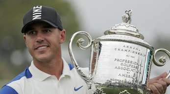 Brooks Koepka gewann erneut die PGA Championship.