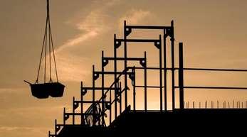 Trotz der Wohnungsnot in Ballungsräumen sind im ersten Quartal 2019 weniger neue Wohnungen bewilligt worden als vor einem Jahr.