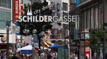 Schildergasse in Köln: Besonders der Modehandel, die Elektronikanbieter und die Einrichtungshäuser leiden unter der Abwanderung der Kunden ins Internet.