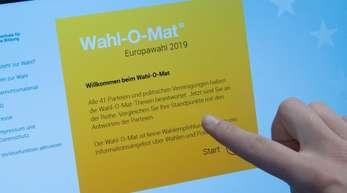 Die Partei Volt Deutschland hat erreicht, dass der Wahl-O-Mat zur Europawahl vorerst auf Eis gelegt werden muss.