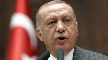 Erdogan ordnete an, die Einfuhrzölle auf 22 US-Produkte wieder um die Hälfte zu senken.