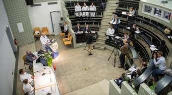 Pressekonferenz zur zweiten Geburt nach einer Gebärmuttertransplantation. In Tübingen wurde per Kaiserschnitt das zweite Kind nach einer Uterustransplantation geboren.