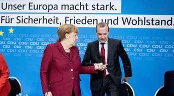 Höhepunkt der EVP-Veranstaltung sind die Reden von Merkel und Weber.