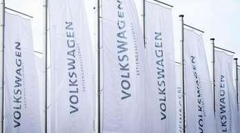 VW geht davon aus, dass rund zwei Jahre vor dem Oberlandesgericht Braunschweig und danach zwei weitere Jahre vor dem Bundesgerichtshof verhandelt wird.
