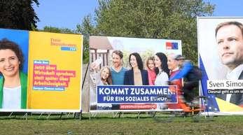 Wahlplakate con FDP, SPD und CDU zur Europawahl.