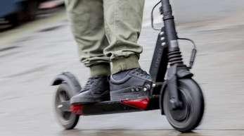E-Scooter, auch E-Tretroller oder Elektro-Tretroller genannt, gehören bereits in vielen Städten der Welt zum Verkehrsbild.