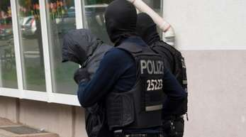 Die Polizei spricht von Dutzenden kriminellen Großfamilien besonders in west- und norddeutschen Großstädten sowie Berlin.