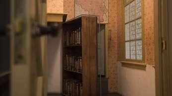 Der Durchgang zu einem geheimen Anbau im neu renovierten Anne-Frank-Haus in Amsterdam.