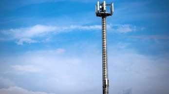«Wir schaffen eine neue Mobilfunk-Infrastrukturgesellschaft des Bundes für den Bau von Mobilfunkmasten in unversorgten Regionen», heißt es in in einem Papier der Spitzen der Fraktionen von Union und SPD.