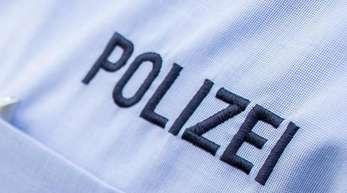 Die Polizei fand bei dem Mann bereits im April eine Pistole mit Schalldämpfer und Munition. Symbolbild: Guido Kirchner