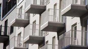 Sanierungen am und im Gebäude sorgen oft für Streit unter Wohnungseigentümern.