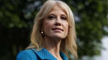 Kellyanne Conway, Beraterin von US-Präsident Trump, bleibt im Weißen Haus.